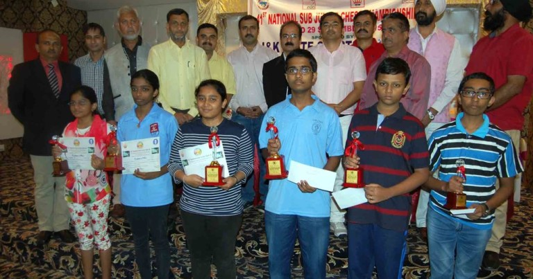 Iniyan wins title in National Sub Junior