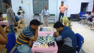 3. Former national Sub Junior champion R. Ashwath upset Saravana Krishnan in the ninth and penultimate round to put him in contention for the title