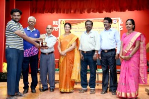ram-s-krishnan-receiving-the-teekay-chess-centre-state-level-tournament-trophy